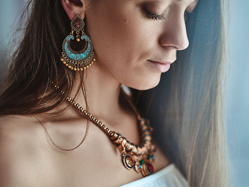 Boucles d'oreilles Masaïmara en perles colorées et laiton